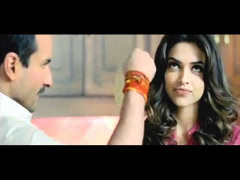 Achaa Lagta Hai - Aarakshan (full song ft Saif and Deepika)