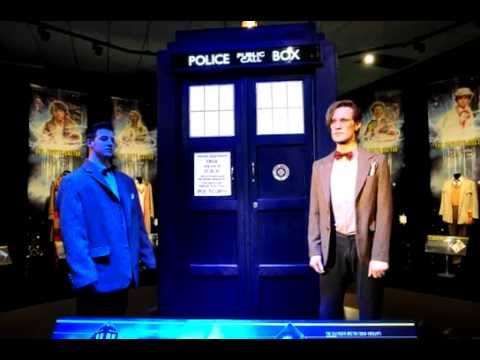 Matt Smith Proposes to Girlfriend at Doctor Who Experience