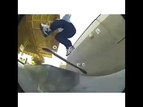 👀 @shmatty rocking the @esskateboarding SCHEME 🔥   Shralpin Skateboarding