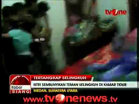 Istri Polisi Selingkuh dengan Polisi Tertangkap Basah Suami.mp4