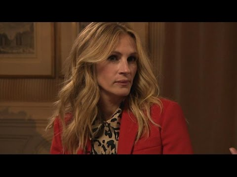 Julia Roberts Honored for Efforts in the Fight Against Bullying