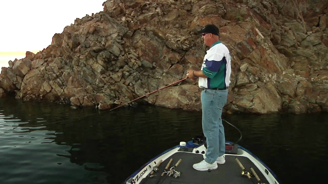 How to fish 6 swimbaits doing the spiderman youtube for Diamond valley fishing report