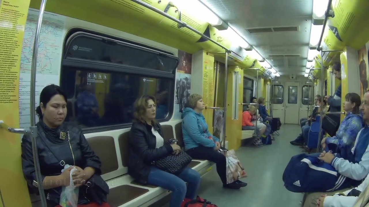 Вся кольцевая линия метро. Объявления на английском. Именной поезд. 04/09/2016
