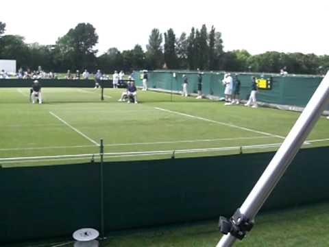 Final game of Chris Eaton vs Stephane Robert at Wimbledon qualifying 15/06/09, Robert winning 6-4 6-2.