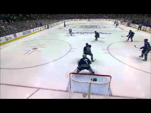 Vancouver Canucks vs Nashville Predators Game 2 Highlights 4/30/11