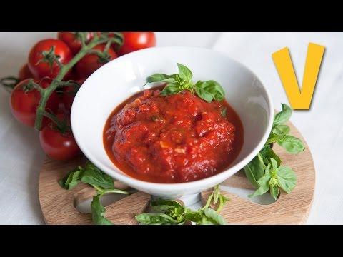 Italian tomato sauce - Recipe by TheVeganCorner