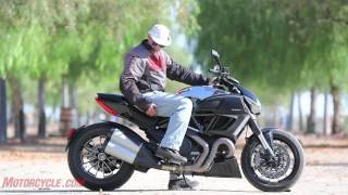 2012 Ducati Diavel Cromo vs Star VMAX - Arm-wrasslin' among titans