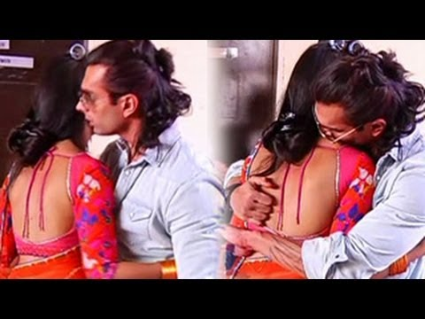 Karan Singh Grover and Jennifer Winget KISS & MAKE LOVE on Saraswatichandra's Set-- DON'T MISS IT !!