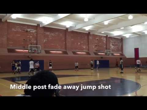 ポンプフェイクからフェイダウェイ。Middle post pump fake fade away jump shot.