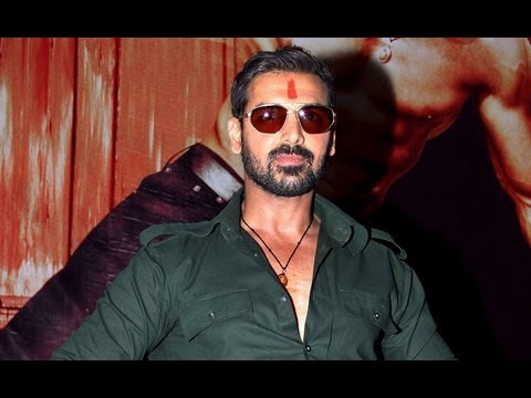 Shootout at Wadala Promo - John Abraham, Anil Kapoor Tusshar Kapoor promotes Shootout at Wadala