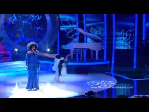 Başak Akbay  -- Whitney Houston Canlandırması - Benzemez Kimse Sana