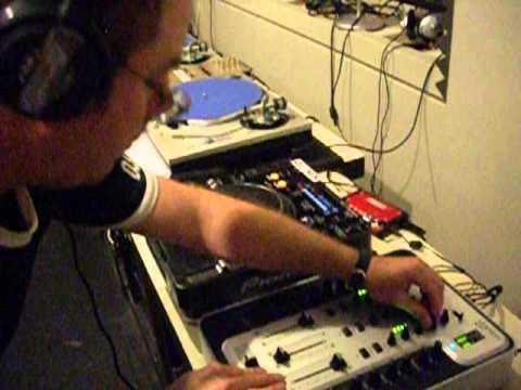 DJ SIX IN THE MIX AT CKCU 93 1 FM OTTAWA CANADA PART 2 OF 2 2013 07 27