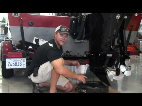 How to Change Oil in an Outboard