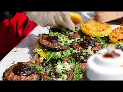 New York City Street Food - Ramen Burger