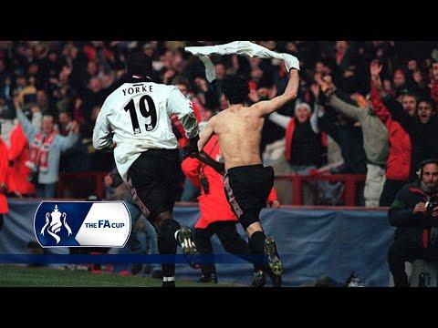 Ryan Giggs' legendary goal v Arsenal | From The Archive