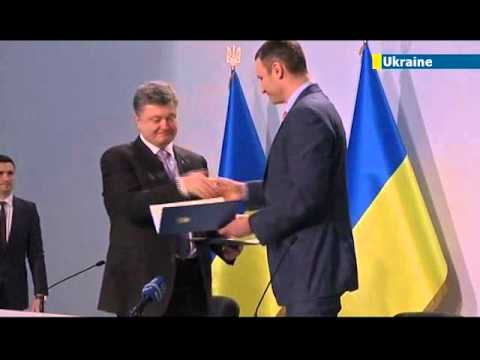 Vitaly Klitschko drops out of Ukraine presidential race and backs Petro Poroshenko