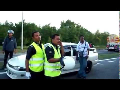 Polis Bantuan Gaduh Dengan Orang Awam