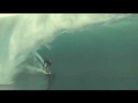 Massive Teahupoo - Big Wave Surfing