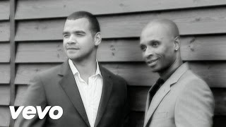 Andy Abraham - December Brings Me Back To You
