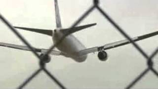 Boeing 767 LOT - crash landing in Warsaw 1