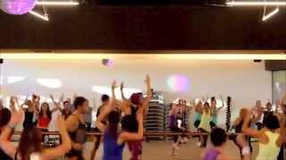 Tuba Zumba Team  Bailando Por Ahi