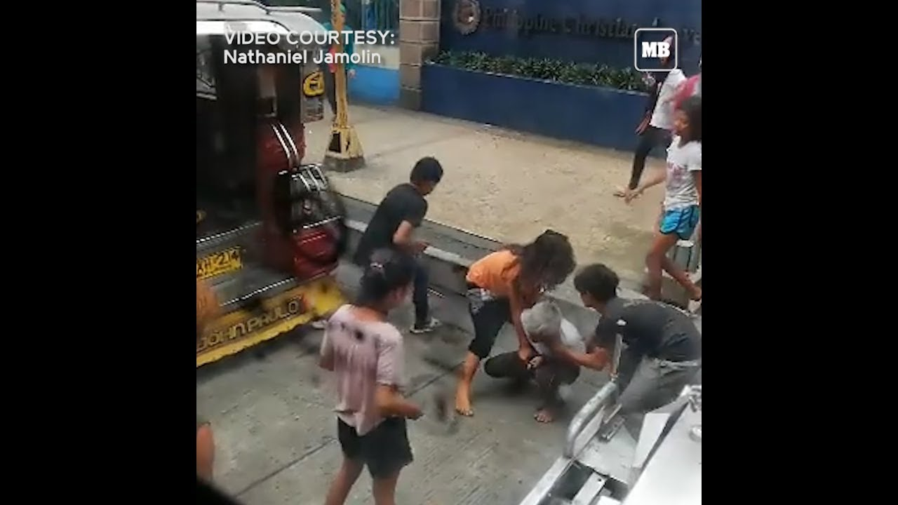 A group of kids attacked an elderly beggar and dragged him out of a jeepney along Pedro Gil