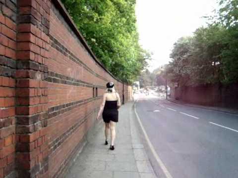الجنس الثالث بشير في شوارع ومتنزهات لندن ربيع 2011.
