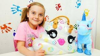 Ulya makes colorful glue glitter slime