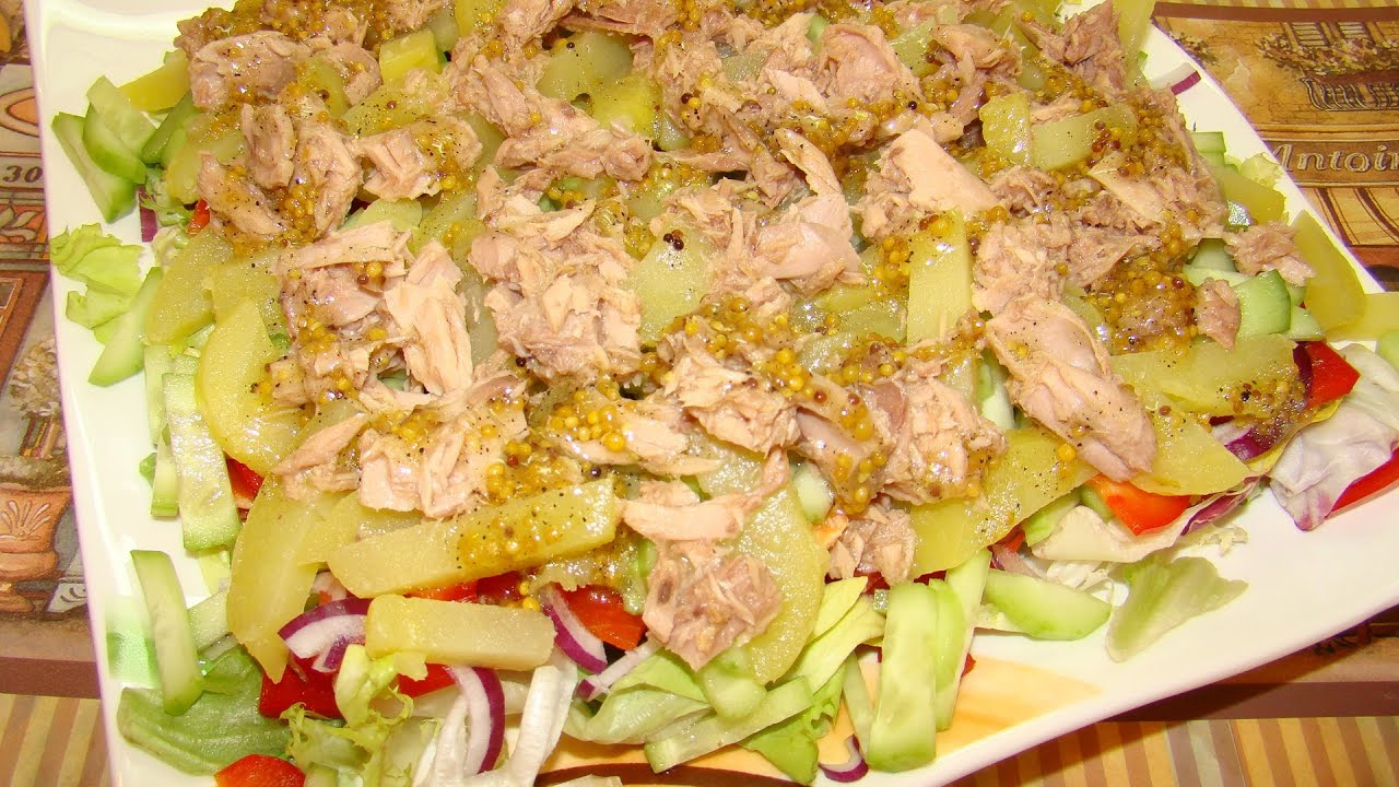 Салат с тунцом консервированным слоями с фото