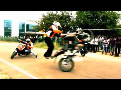 KTM DUKE 200 STUNTS BY TEAM THROTTLERZ