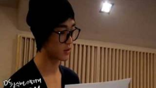 [Dream High OST] Dreaming Japanese version | Kim Soo Hyun in studio (full)