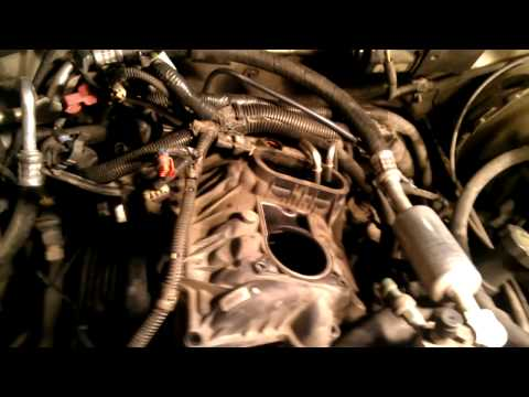 How To Replace The Fuel Spider/Fuel Pressure Regulator On ...