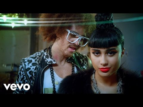 Videoklip LMFAO - Champagne Showers feat. Natalia Kills