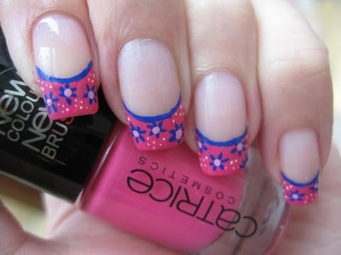 Nail Art: Tiny retro flowers on french tip