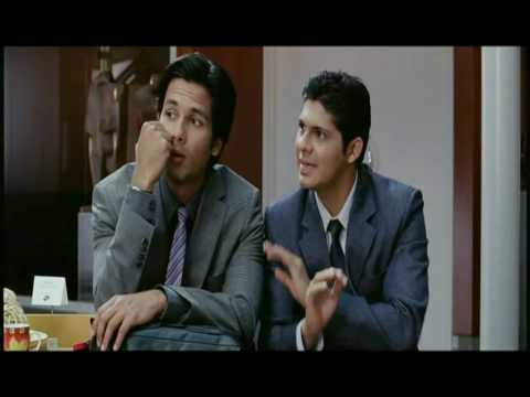 Kismat Konnection - Shahid Kapoor is scared of dogs (HQ)