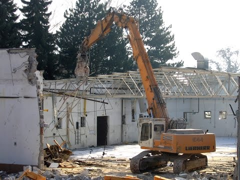 Demolition Work: Liebherr R 944B HRD& Komatsu PC300N / Weilheim a.d. Teck, Germany, 01.02.2006.