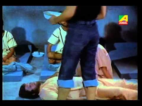Pratisodh - Action Bengali Movie - Part 5 12 - Uttam Kumar & Sukhen Das & Muhua Roychoudhury video