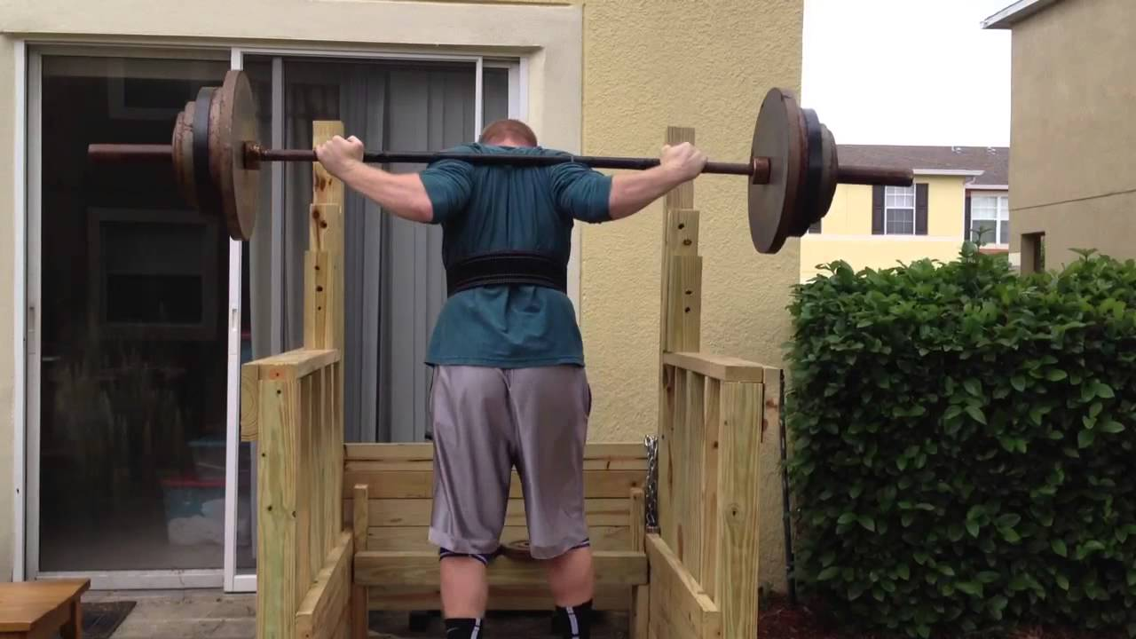 Wooden squat rack youtube for Homemade safety squat bar