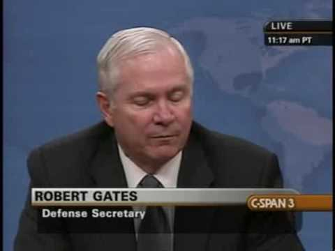 Secretary Gates and Admiral Mullen on Social Networking
