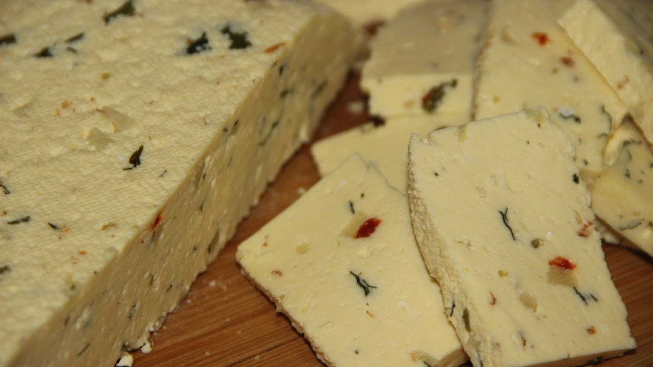 Домашний сыр с начинкой