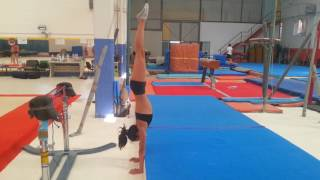 How to improve your handstand