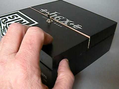 Most useless machine / leave me alone / useless box / cigar box