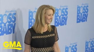 Lisa Kudrow says she felt like a 'mountain of a woman' next to her 'Friends' co-stars l GMA