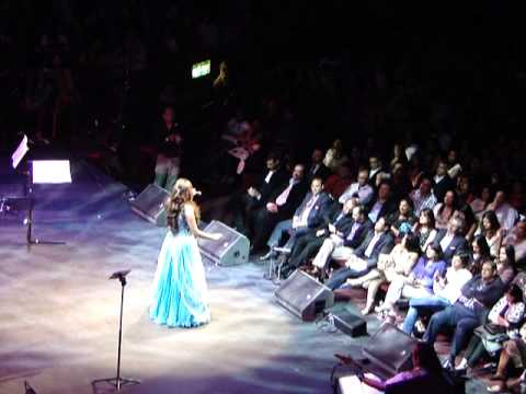 Baray Achay Lagtay Hain - Shreya Ghoshal Live in Concert (Royal...