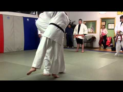 Gary Goltz Demonstrates a Combination to Harai Goshi Image 1