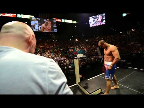 UFC 160: Dos Santos vs. Hunt Weigh-In Highlight