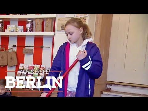 Kinder überfallen einen Süßwarenladen: Woher haben sie die Waffe?   Auf Streife - Berlin   SAT.1 TV