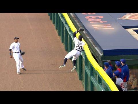 Davis goes up high to pull back Ross' homer
