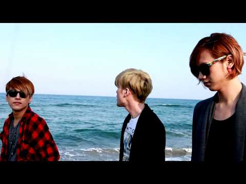 LUNAFLY Cover of California king bed by Rihanna