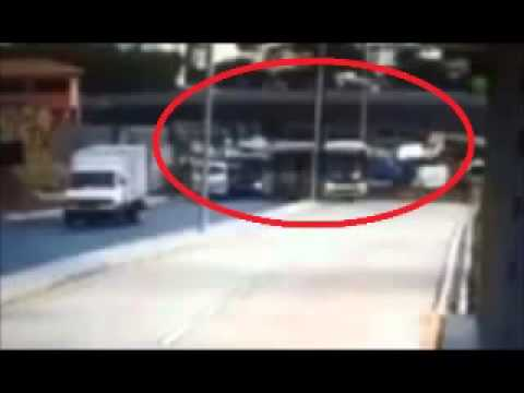 Overpass Collapses in Belo Horizonte  Live Camera  Brazil 3/07/2014